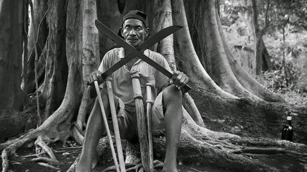 large-still-bw-papa-machete-EOFF2015